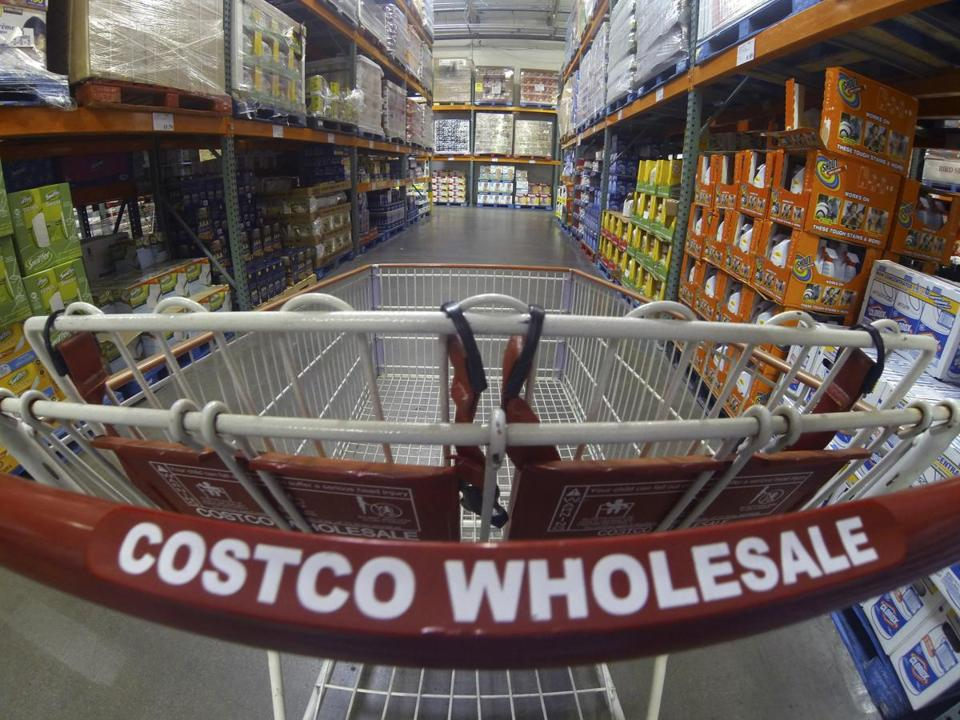A Costco shopping cart is shown at a Costco Wholesale store in Carlsbad, California in this September 11, 2013 file photo. REUTERS/Mike Blake/Files GLOBAL BUSINESS WEEK AHEAD PACKAGE- SEARCH 'BUSINESS WEEK AHEAD February 29' FOR ALL IMAGES